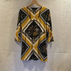 EVA VARRO Tunic w/ pullover construction. Size L
